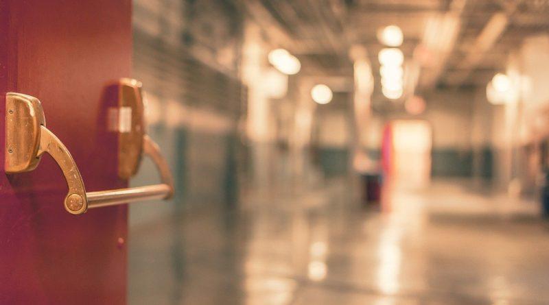Umfangreiche Schließung von Einrichtungen – Landkreis setzt Vorgaben des Landes um