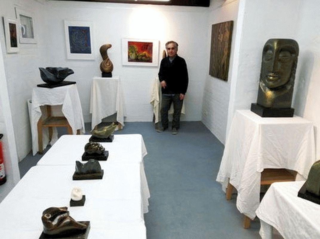 """Skulpturen in Arbeit: """"FaisalAlHasan@Werkstatt22"""""""