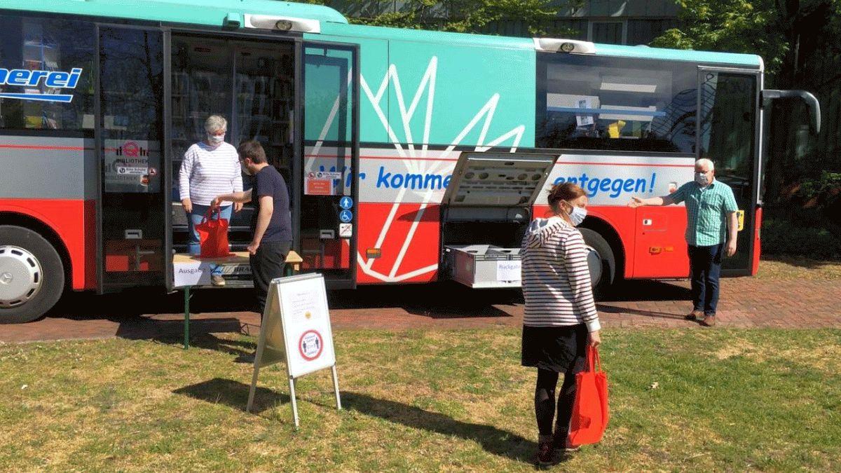 Bücherbus fährt wieder durch den Landkreis – Kreisfahrbücherei startet eingeschränkten Betrieb am Montag, 11. Mai