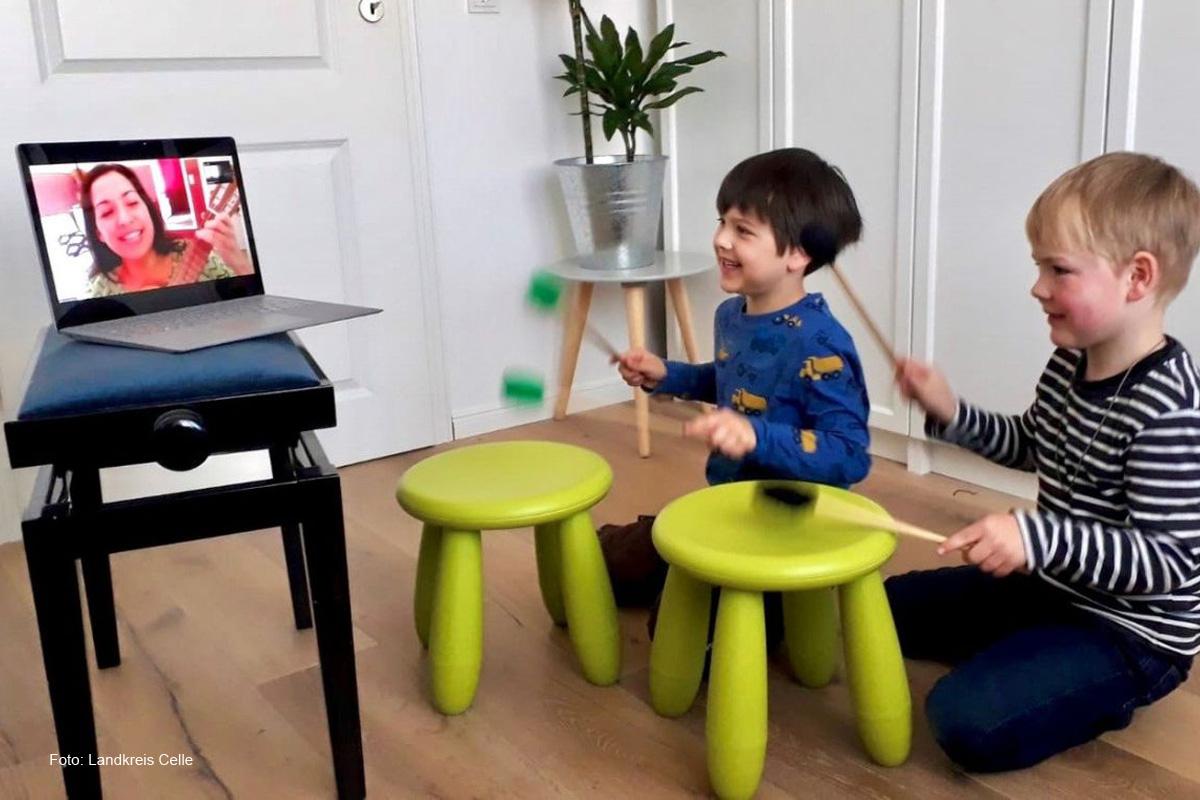 Musikunterricht im Landkreis findet online statt – Kreismusikschule verlegt den Unterricht ins heimische Wohnzimmer