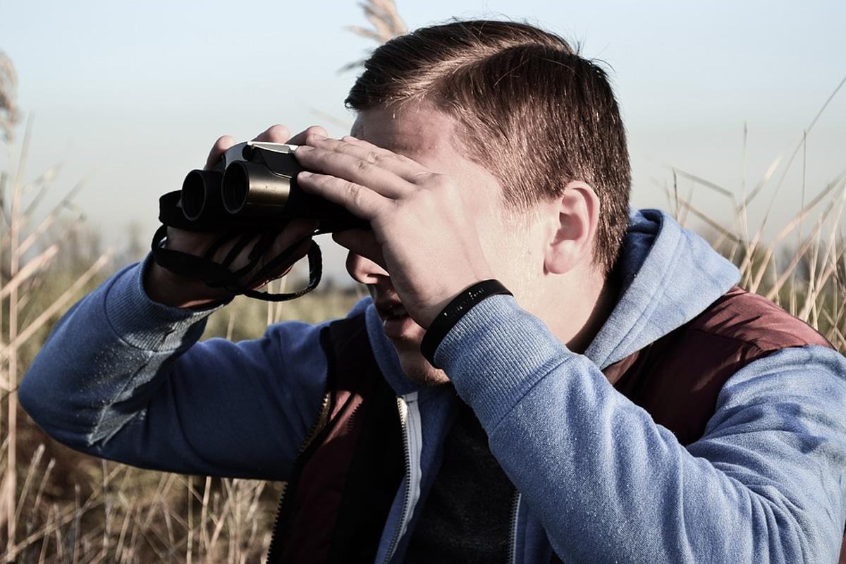 Neue Broschüre für Stalking-Opfer – Konstante Fallzahlen in Niedersachsen