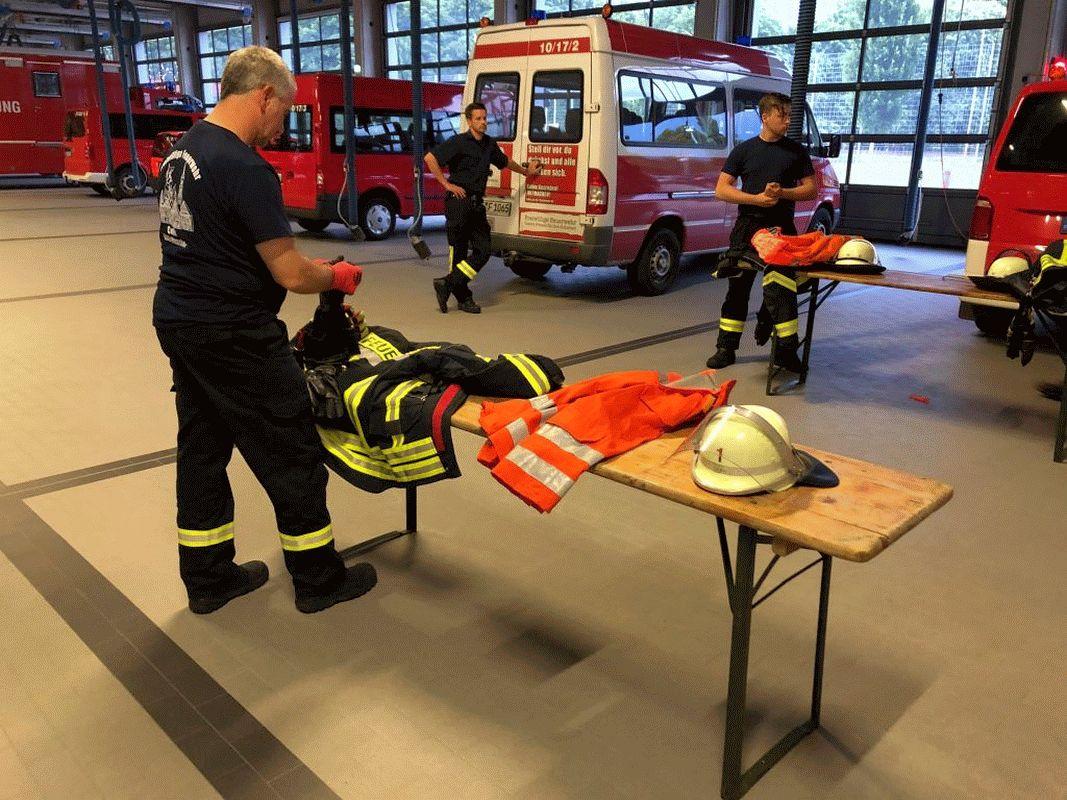 Dienst mit Abstand – Celler Feuerwehr nimmt Übungsdienste wieder auf!