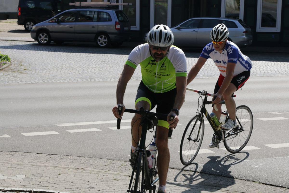 Für den guten Zweck mit dem Rennrad unterwegs