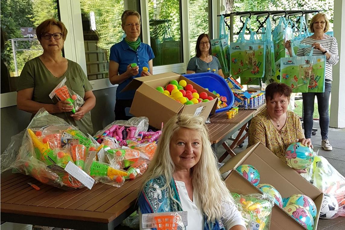 FABI verschenkt 200 Taschen für Kinder