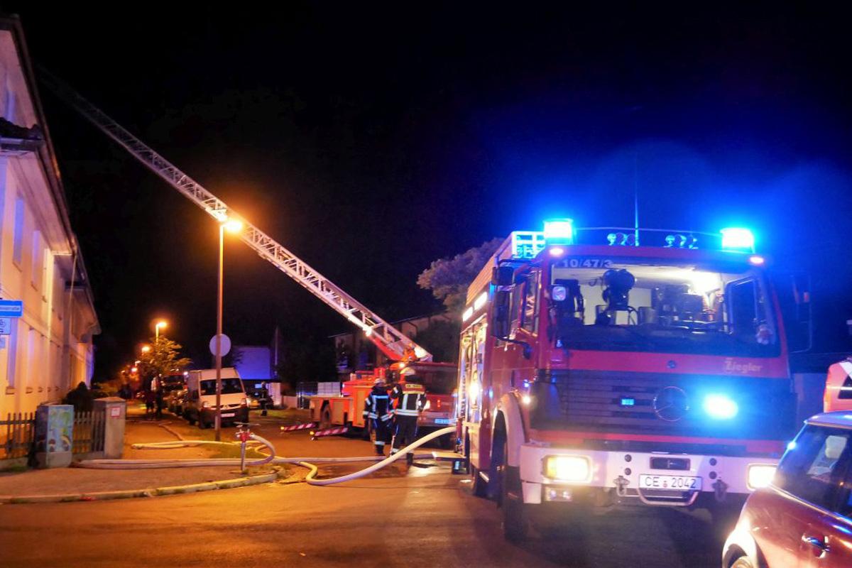 Feuer in einem Mehrparteienhaus