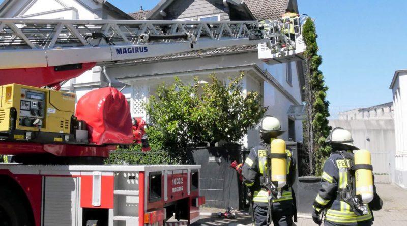 Heckenbrand in der Trift – Brandausbreitung auf Gebäude verhindert
