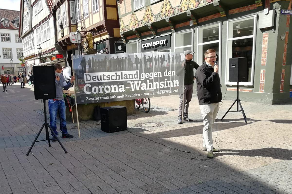 NPD nutzt Corona-Schutzmaßnahmen für populistische Kundgebung in Celle *** aktualisiert ***