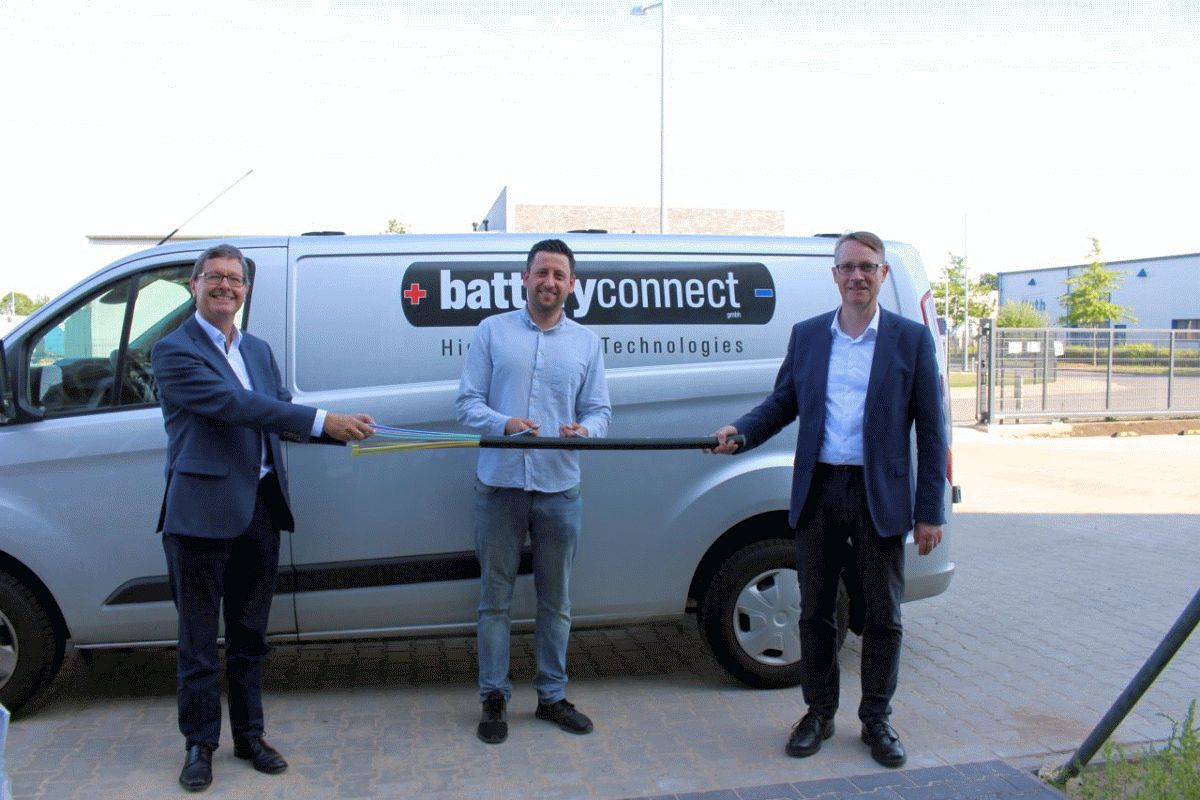 SVO verlegt Glasfaser im Gewerbegebiet Altenhagen
