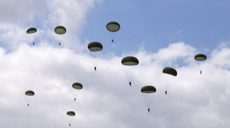 Seedorfer Fallschirmjäger am Himmel über Celle – 778 Fallschirmsprünge in zwei Sprungtagen. Ein guter Start in den zweiwöchigen Sprungdienst des Seedorfer Fallschirmjägerregiment 31.