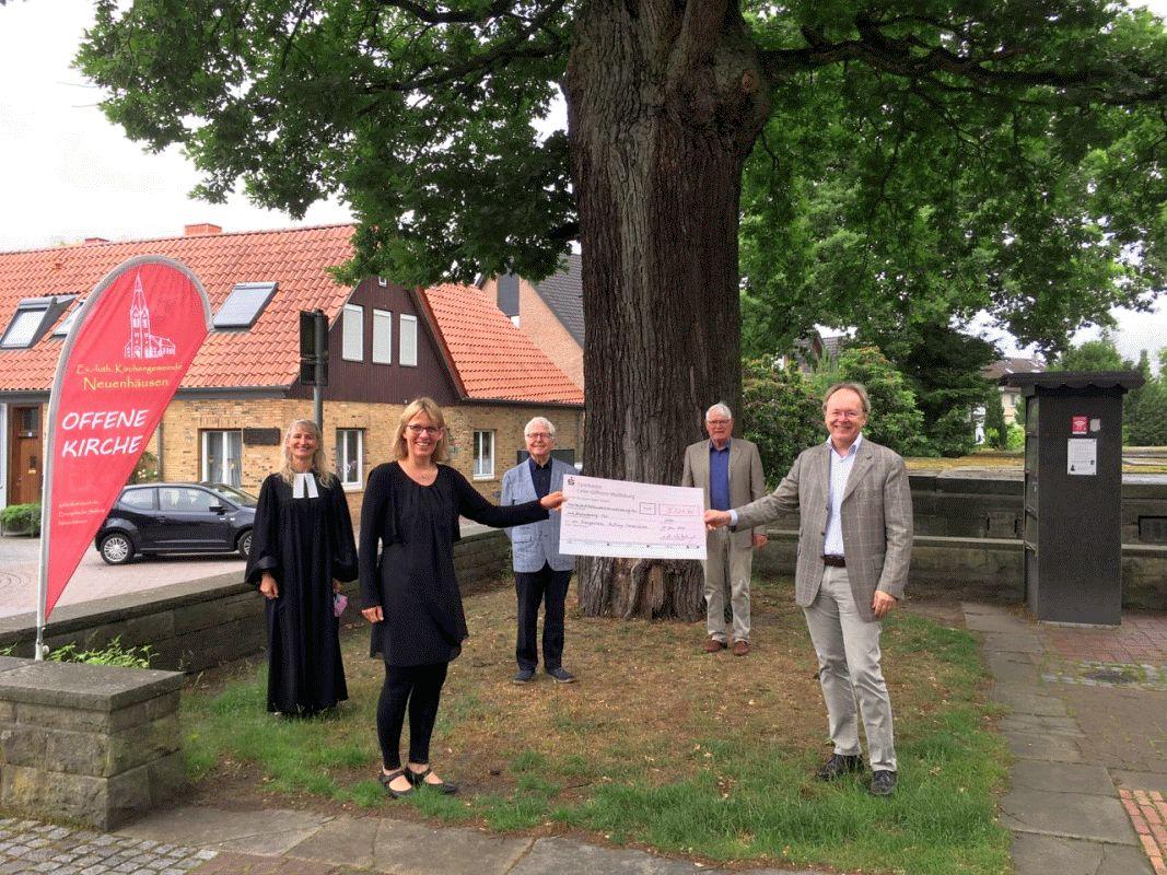 """Landeskirche unterstützt """"Evangelische Stiftung Neuenhäusen"""" mit Bonus"""