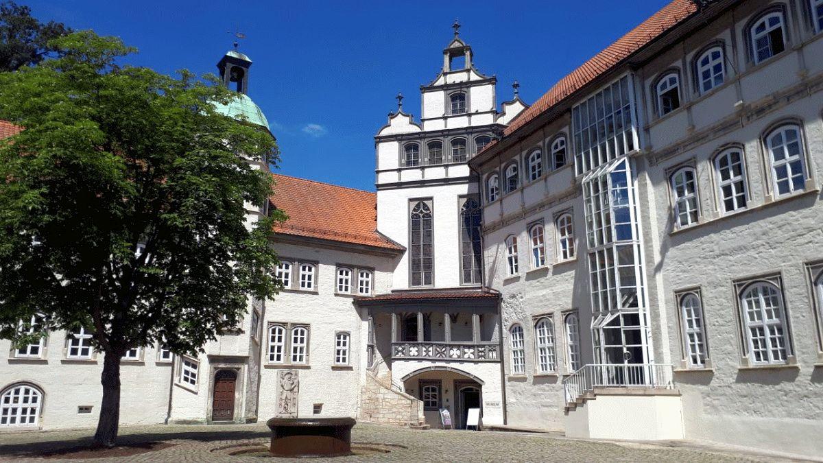 Mitglieder des SoVD Ortsverbandes Nienhagen auf den Spuren der Celler Herzoge in Gifhorn