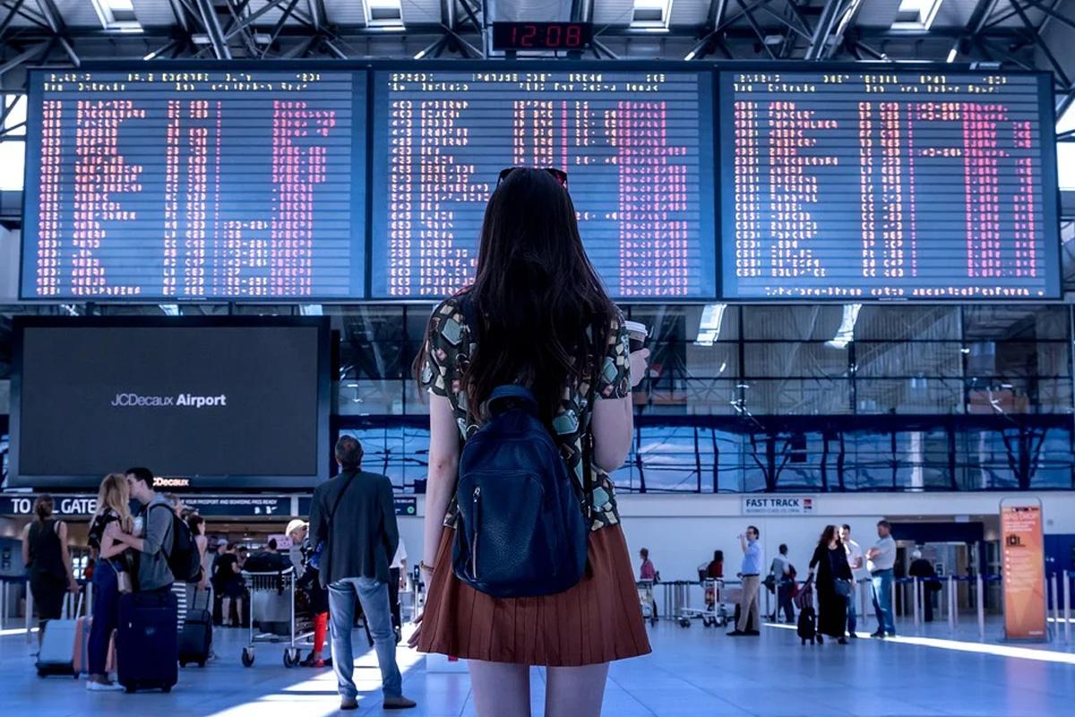 Tourismusbranche von Corona schwer getroffen – fast zwei Drittel rechnen mit einem Personalabbau, insbesondere Reisebüros und -veranstalter