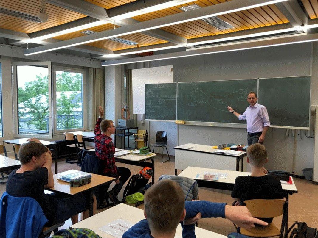 """Zusatz-Produkt des Griechisch-Unterrichts am Ernestinum Celle: """"Treue oder Liebe"""" – die Klasse 9GL """"pepoiekasin"""" – """"hat´s gemacht""""!"""