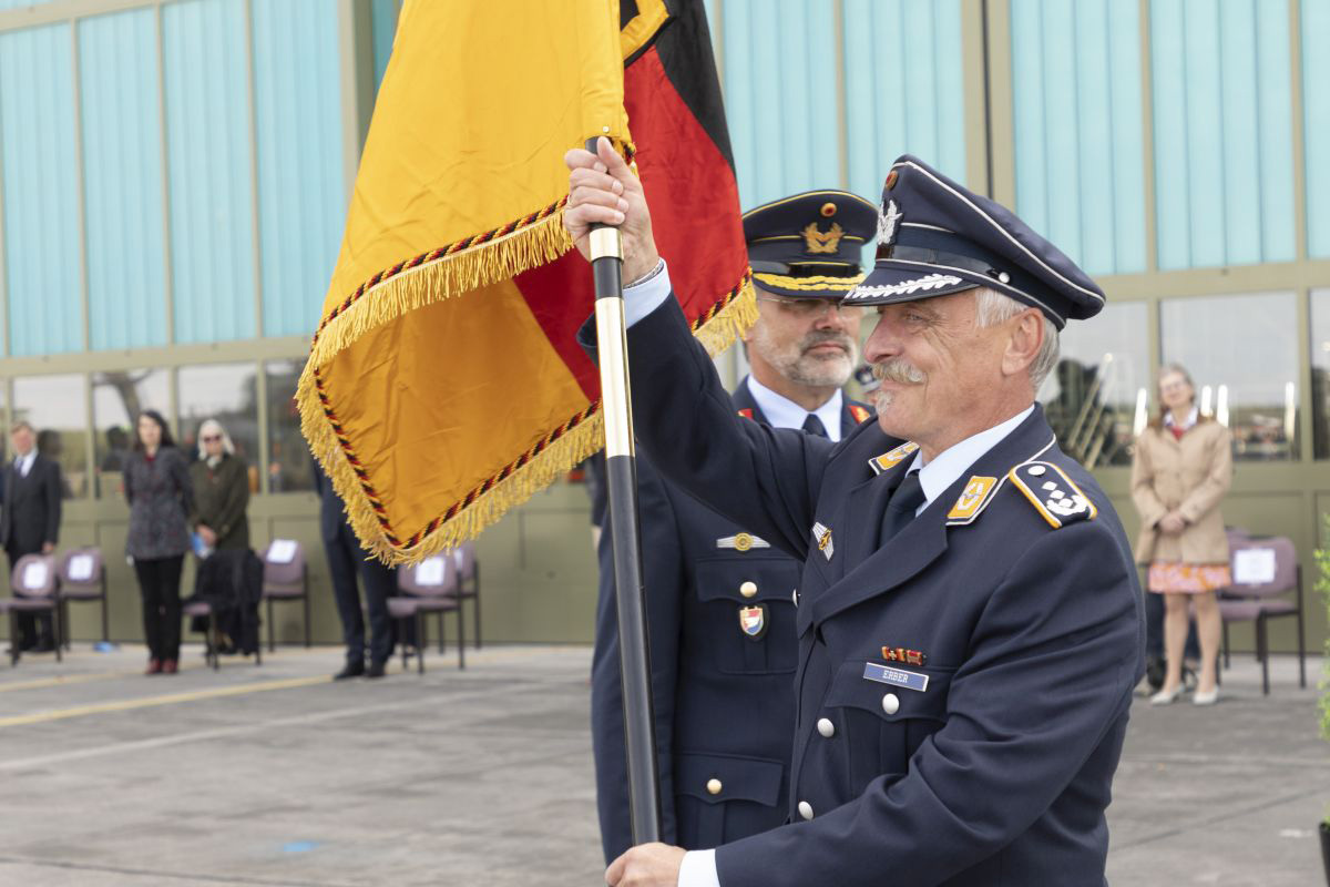 Auf Oberst Georg v. Harling folgt Oberst Andreas Erber als neuer Kommandeur des TAusbZLw