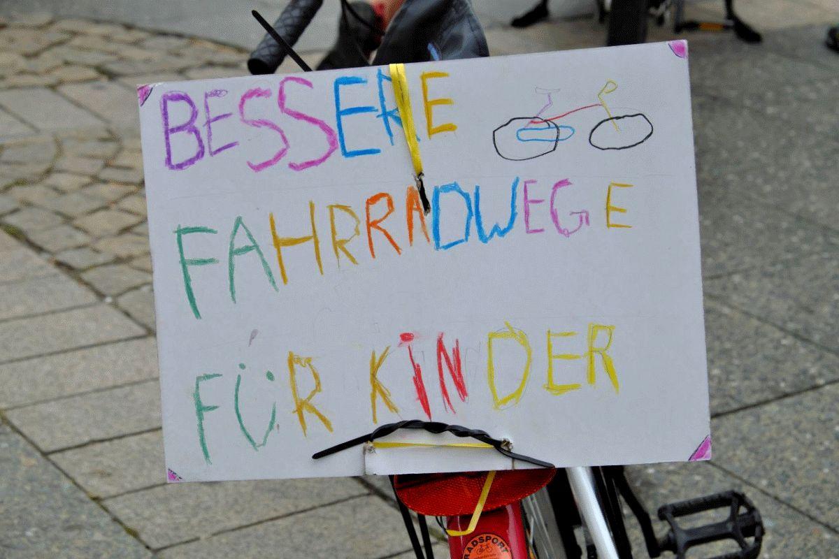 Bunte Fahrraddemos für die ganze Familie in Celle und Faßberg