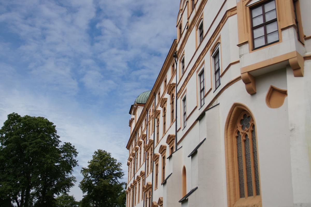 Schlosstheater: Solidarisches Bemühen zur Pandemie-Eindämmung