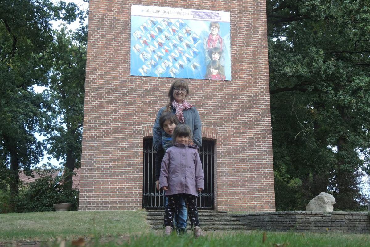 Engel-Projekt von St. Laurentius jetzt am Kirchturm sichtbar