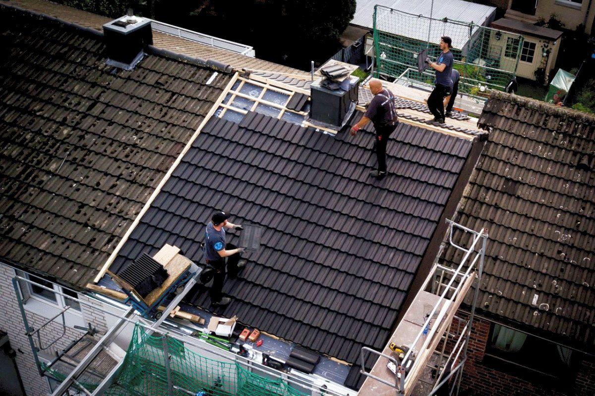 Mehr Geld für Dachdecker gefordert – 300 Beschäftigte im Kreis Celle – Trotz Corona volle Auftragsbücher