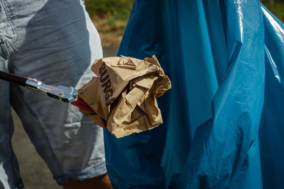 Müllsammelaktion in der Gemeinde Adelheidsdorf