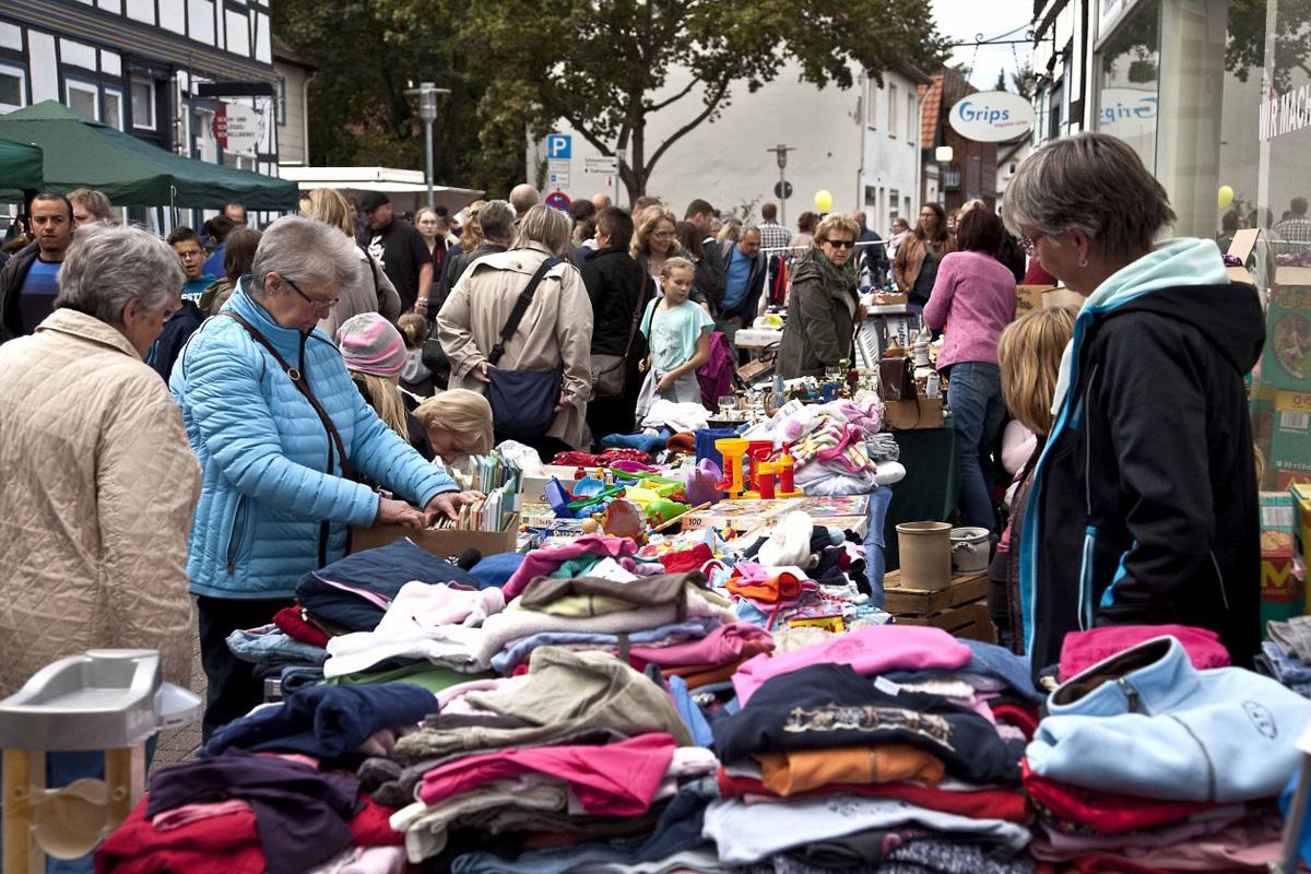 Verkaufsoffener Sonntag am 4. Oktober mit Flohmarkt auf dem Spittaplatz