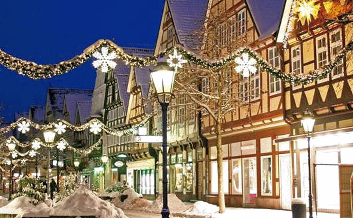 """""""CELLE LEUCHTET – Machen Sie mit!"""" -Die Beleuchtung der Celler Weihnachtsstadt ist auch in diesem Jahr wieder auf Unterstützung angewiesen."""