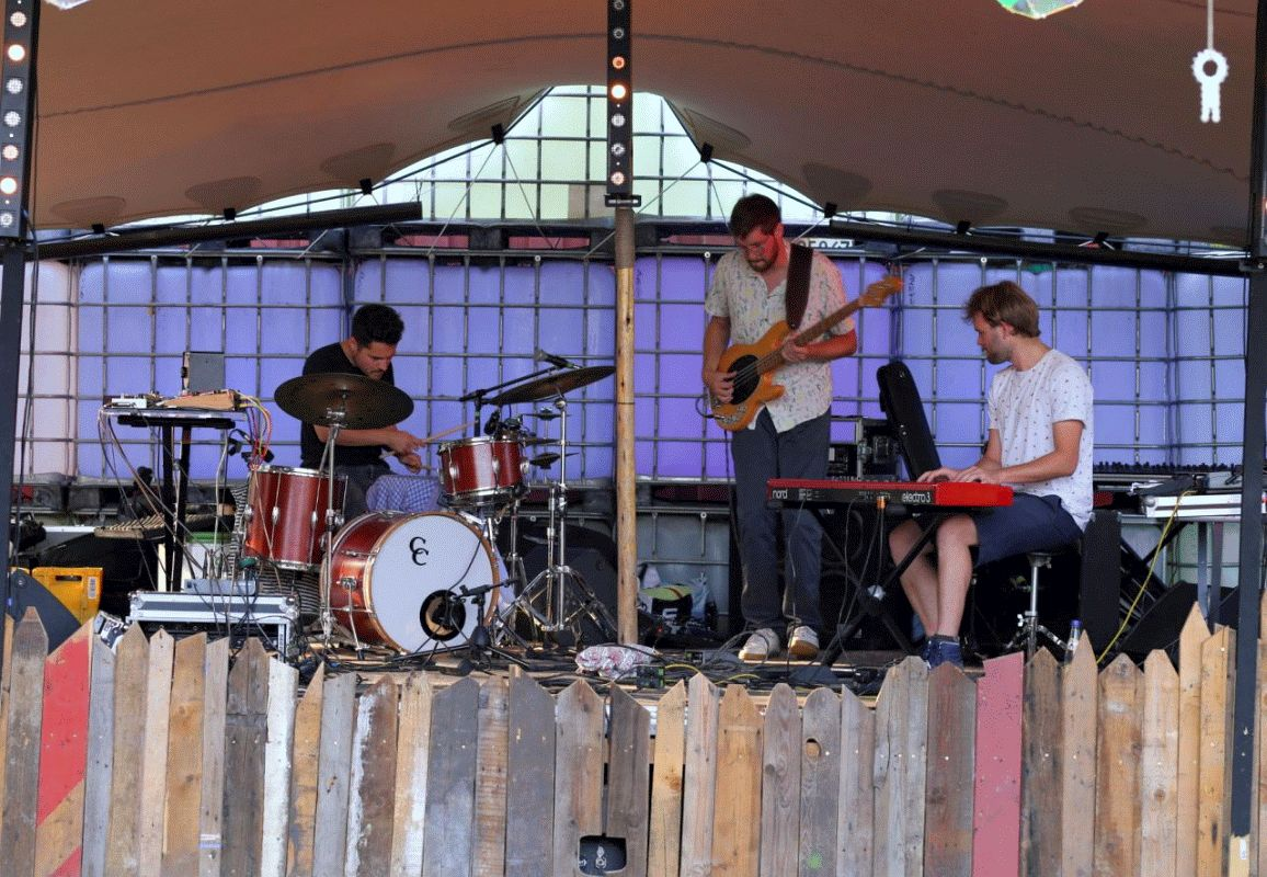 "Kick-Jazz-Trio aus Kassel/Bremen – ""Joern and The Michaels"" im Bunten Haus"