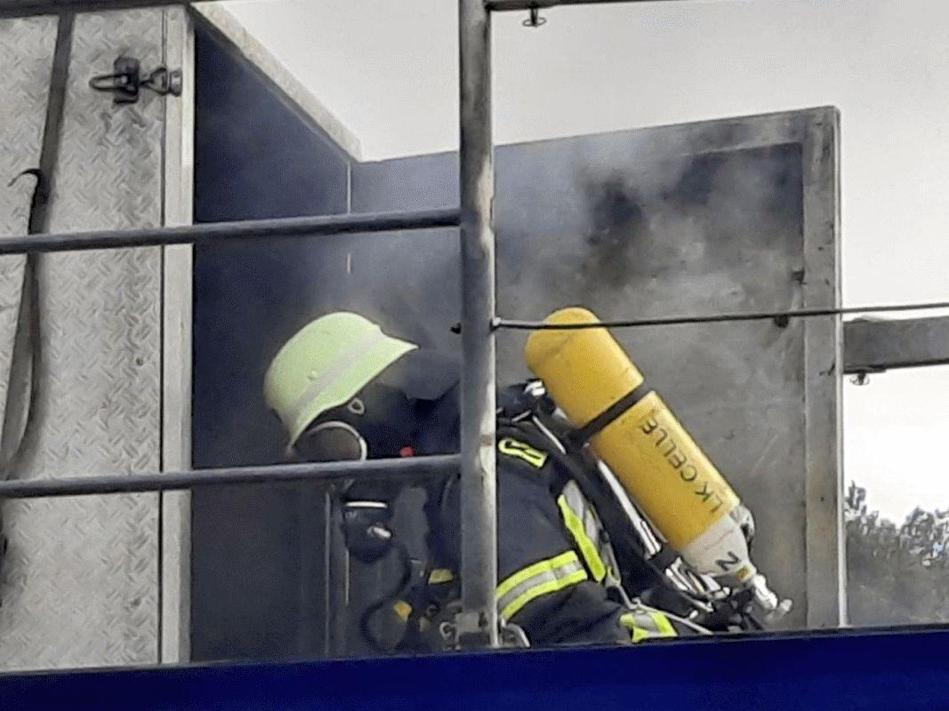 Realbrandausbildung für Feuerwehren in Hambühren