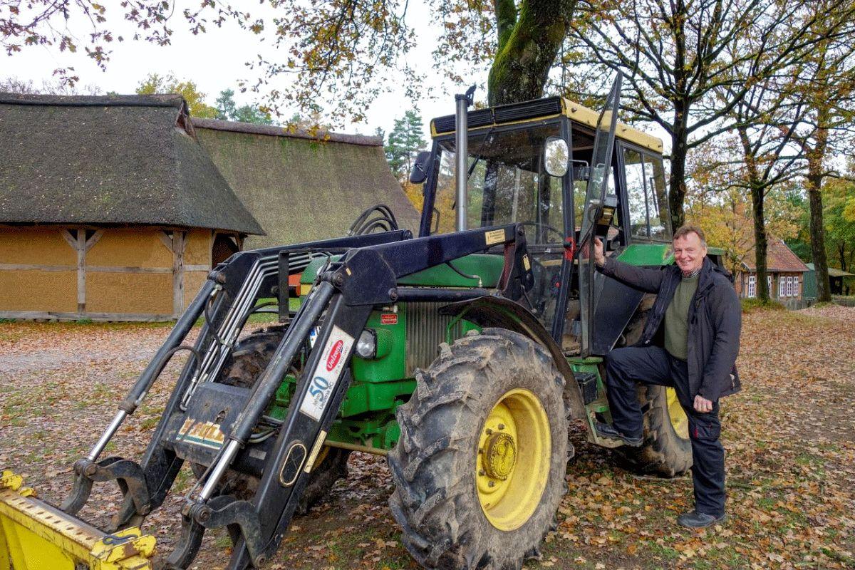1000 Stunden und kein Ende – Karl-Heinz Manke leistet engagierten Ruhestand im Museumsdorf Hösseringen