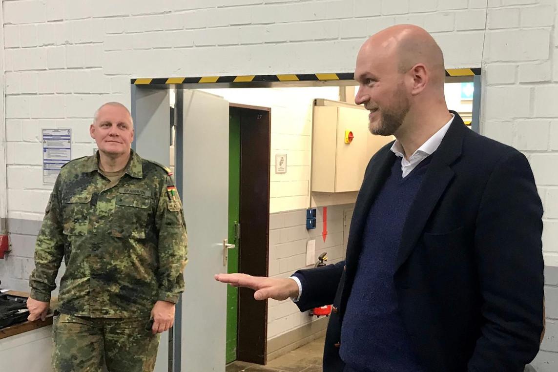 """Bundestagskandidat Carsten Büttinghaus besucht Ausbildungszentrum Munster – """"Leistungen und Bedeutung der Bundeswehr mehr würdigen!"""""""