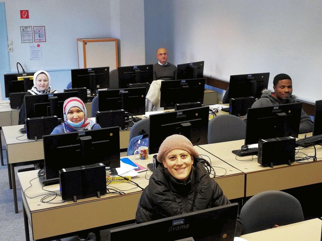 Die vhs Celle bietet Geflüchteten mit Deutschkenntnissen die Möglichkeit, ihre Computer-Kenntnisse zu vertiefen