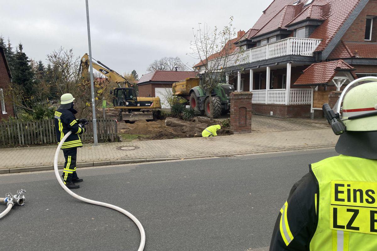 Gasleitung bei Baggerarbeiten abgerissen – Größere Mengen Gas strömten aus