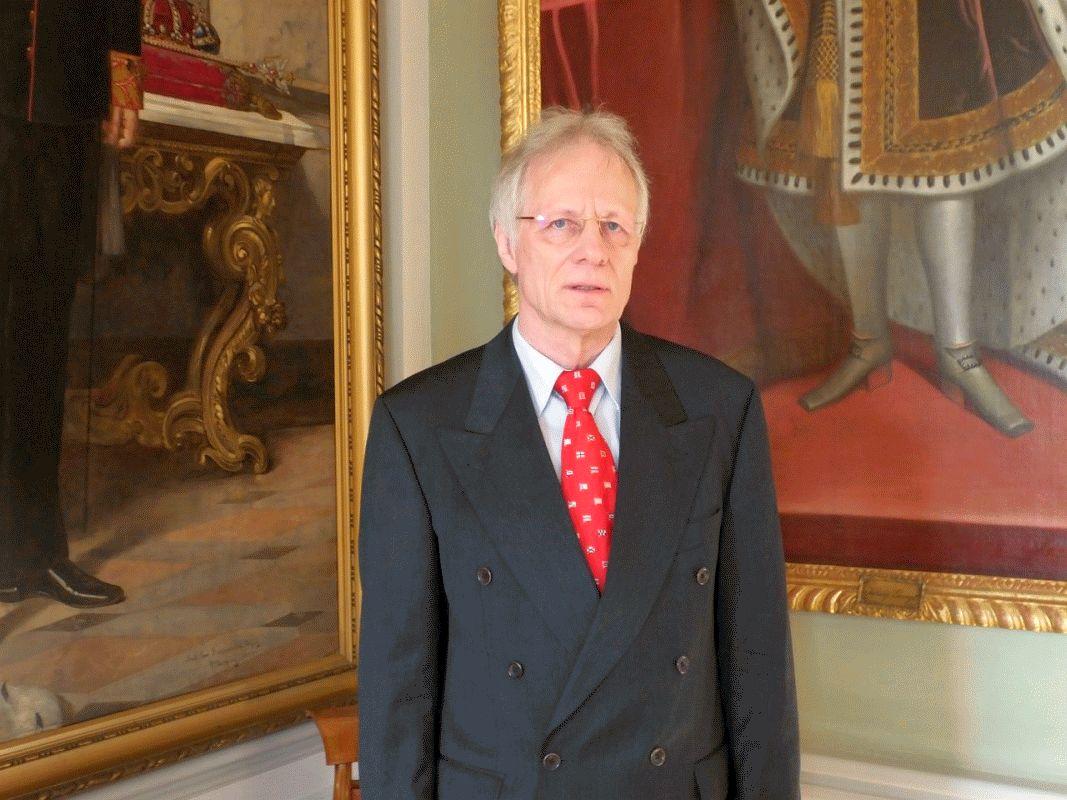 Präzision und höchste Fachkompetenz zeichnen ihn aus –  Vorsitzender Richter am Oberlandesgericht Andreas Rebell tritt in den Ruhestand