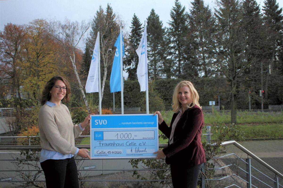 SVO-Belegschaft spendet 1.000 Euro an Frauenhaus Celle