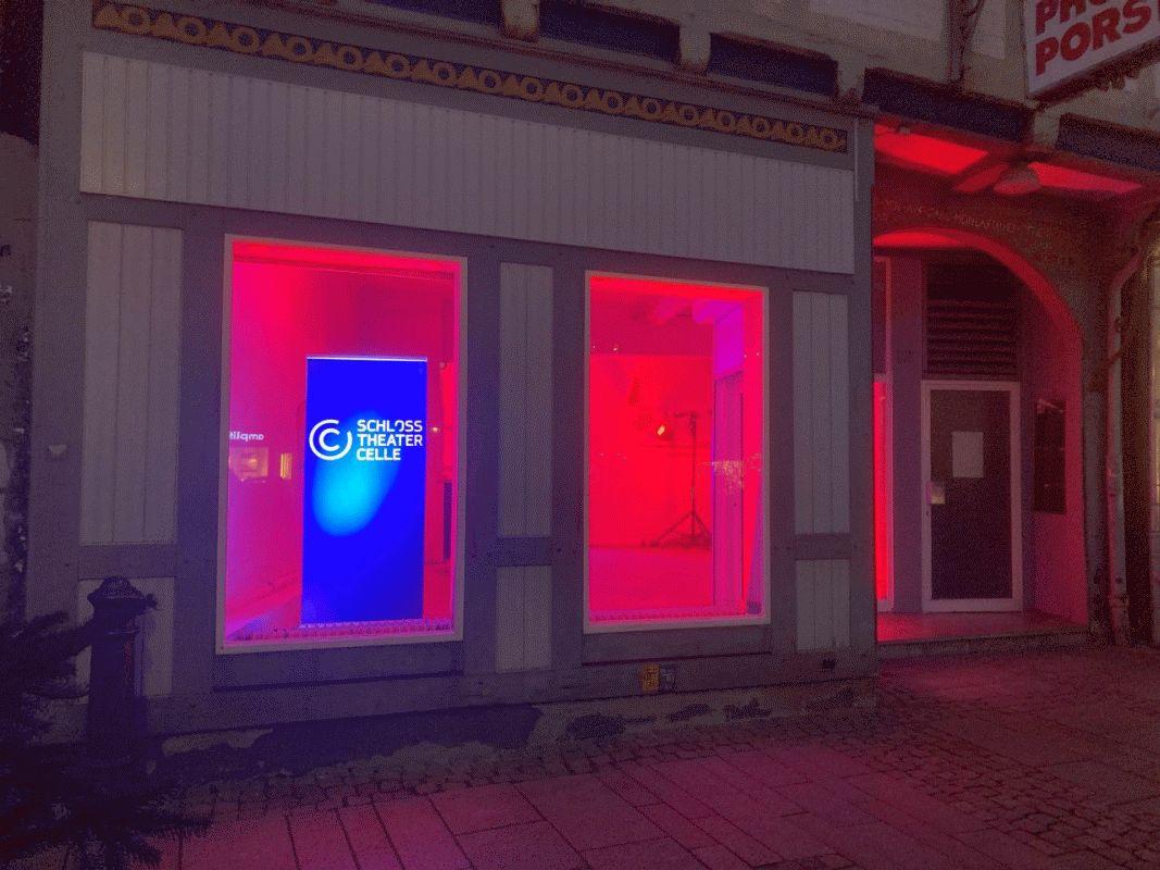 Schlosstheater zeigt Präsenz – Am 1. Dezember starten Theaterladen am Großen Plan und digitaler Adventskalender