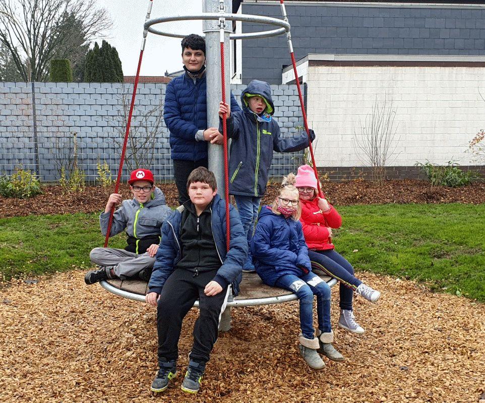 Kinder erobern Garßener Spielplatz – Offizielle Einweihung im Frühjahr