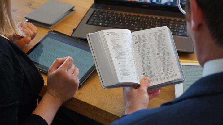Biblische Prophetie mal spannend – Jehovas Zeugen in Celle laden zu besonderem virtuellen Gottesdienst ein