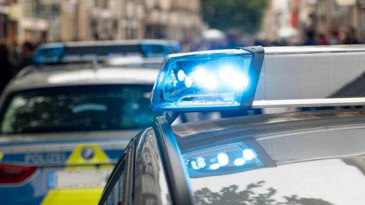 Scheiben an Bushaltehäuschen eingeschlagen – Schaden in fünfstelliger Höhe