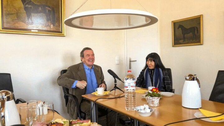Eine politische Woche im Landgestüt – Aufzeichnungen für den Landgestütspodcast mit Barbara Otte-Kienast sowie Gerhard Schröder