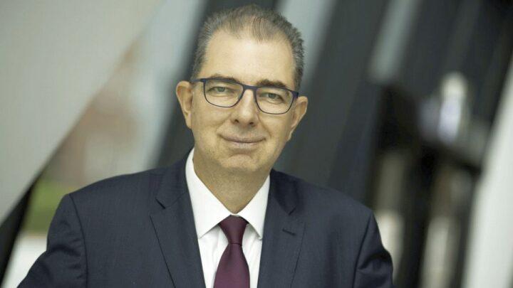 IHKLW präsentiert Ausbildungsumfrage: Präsident Andreas Kirschenmann appelliert an Unternehmen, mehr Ausbildungsplätze zur Verfügung zu stellen.