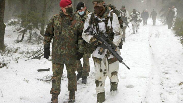 Inspekteur des Deutschen Heeres besucht Ausbildungszentrum Munster – Neukonzeption der Offiziersausbildung im Fokus des Besuchs