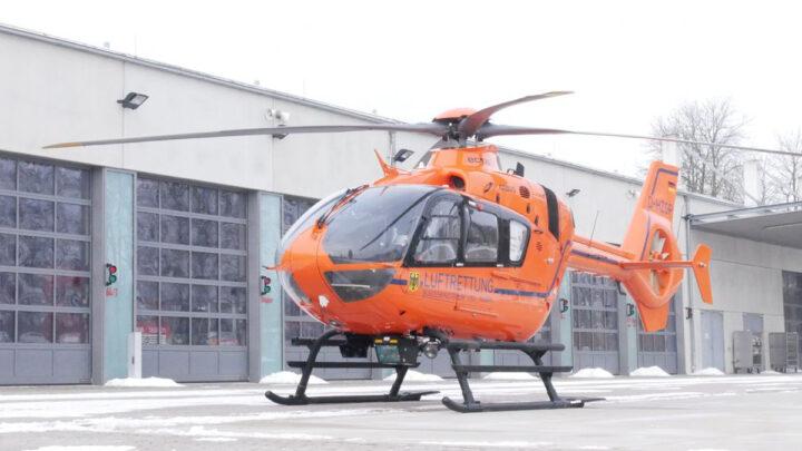 Rettungshubschrauber landet am Feuerwehrhaus Hauptwache